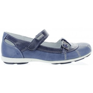 Orthopedic school shoes for a girl in Canada