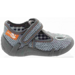 Shoes for a baby that is pigeon toed indoor