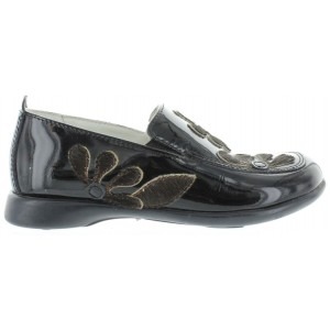 Kids with best arch in black leather loafers