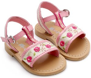 flat-sandals-kids-no-arch-support